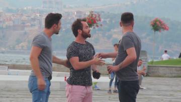 İzmir'de cüzdan düşürme deneyi