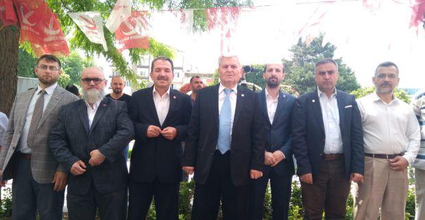 Yeniden Refah Partisi Kocaeli teşkilatı bayramlaşmak için bir araya geldi.